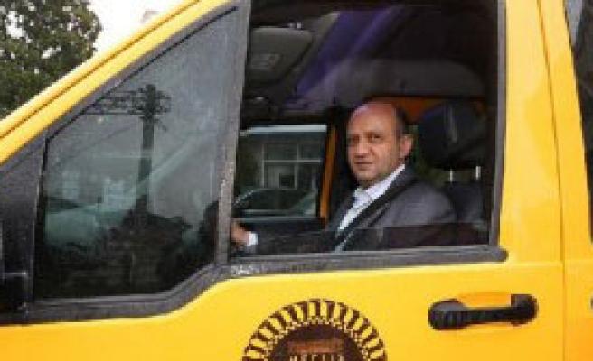 Fikri Işık, 'Taksi Şoförü' Oldu