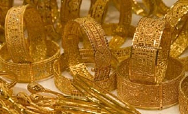 Altın Adeta Çakıldı