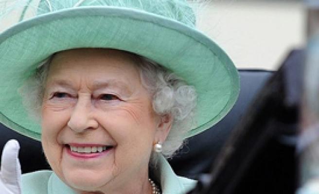 Kraliçe'den Tarihi Ziyaret