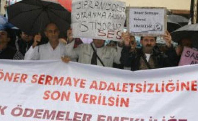 İzmir'de Sağlıkçılardan 'Beyaz Yürüyüş'