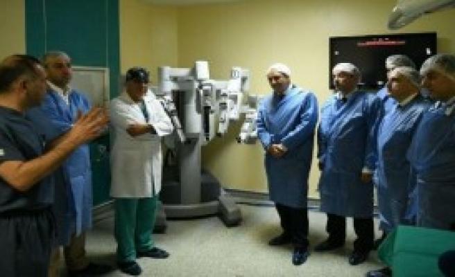 Ege Tıp'tan Robotik Cerrahi İle 900'üncü Ameliyat