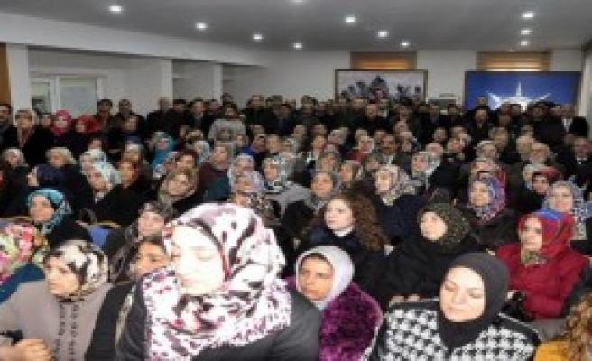 Elazığlı Kadın Aday Adayından Miting Gibi Başvuru