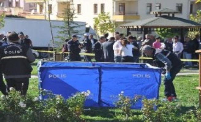 Polis Komşusunu Vurup, İntihar Etti