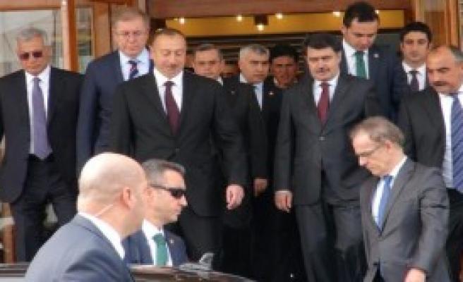 Liderler İstanbul'a Gelmeye Başladı