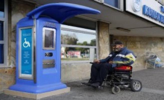 Engelliler İçin Şarj İstasyonu