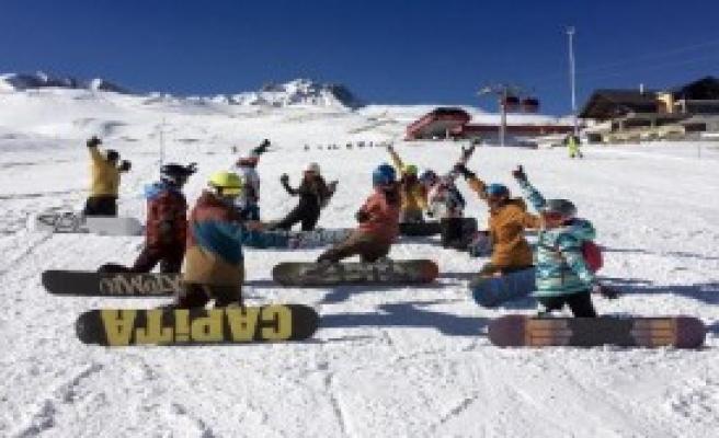 Kayak Merkezinin Tanıtım Filmi Çekildi