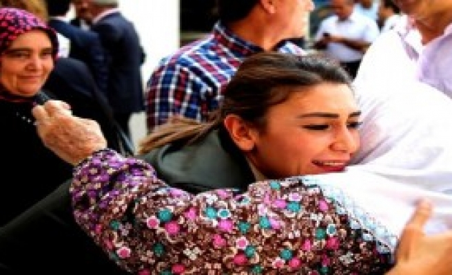 Ermenek'te Kadın Astsubaya Yoğun İlgi