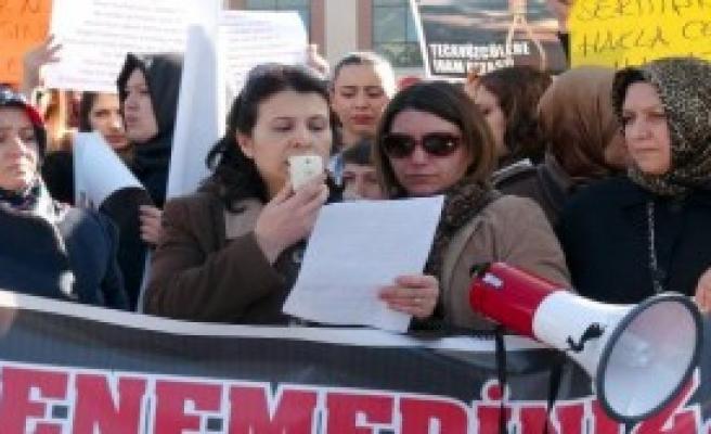 Erzincan'da Özgecan Protestosu