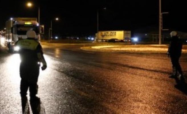 Erzincan'da Ulaşıma Kar Engeli