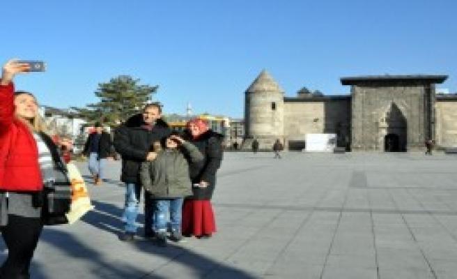 Erzurum'da Şaşırtan Sıcaklar