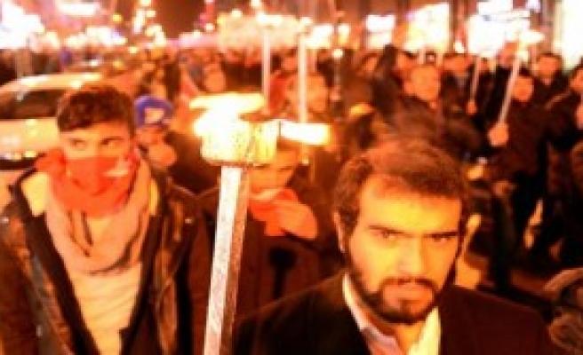 Erzurum'da Saygı Yürüyüşü