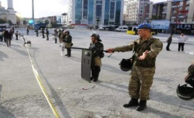 Esenyurt Meydanı Jandarma Ablukasında