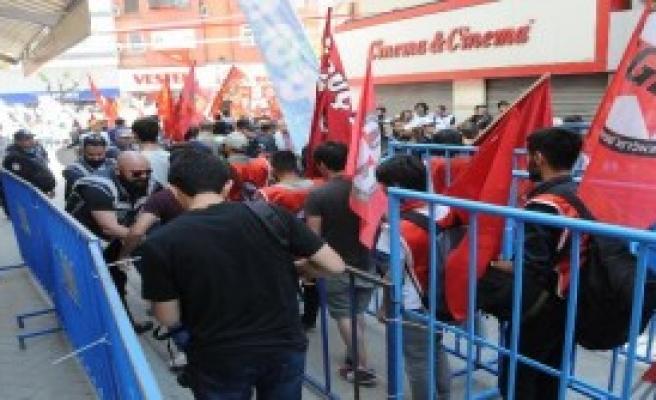 Eskişehir'de 2 Ayrı 1 Mayıs Kutlaması