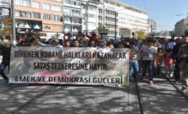 Eskişehir'de 300 Kişi Kobani İçin Yürüdü