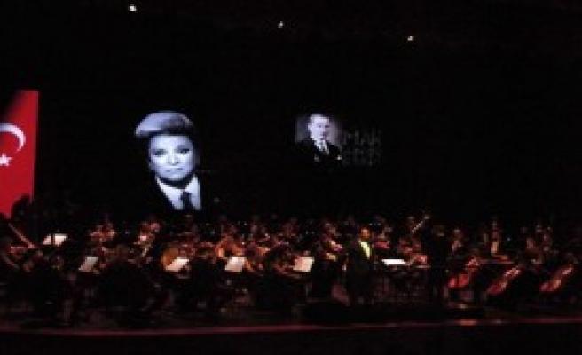 Eskişehir'de Zeki Müren Konseri