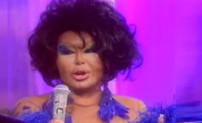 Diva'nın Derbi Makyajı!