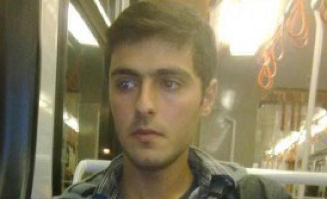 Şehit Polisin Baba Evine Ateş Düştü