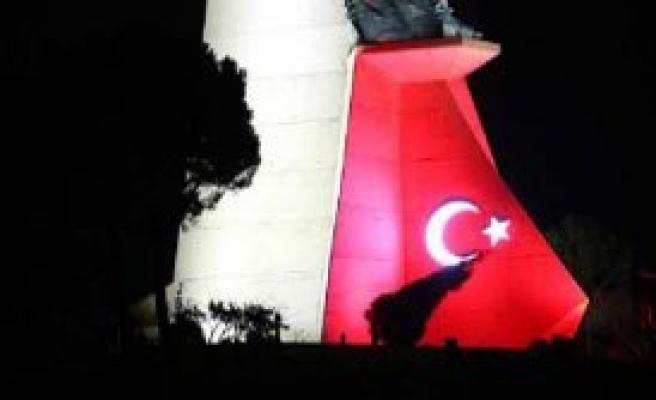 Kuva-Yı Milliye Ve Cumhuriyet Anıtı Parıldıyor