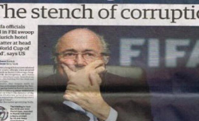 İngiliz Basını, Blatter'i Yerden Yere Vurdu