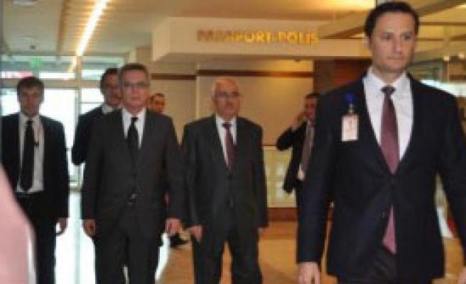 Alman İçişleri Bakanı İstanbul'da
