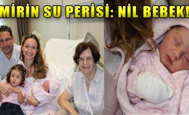 Nil Bebek Suda Doğdu