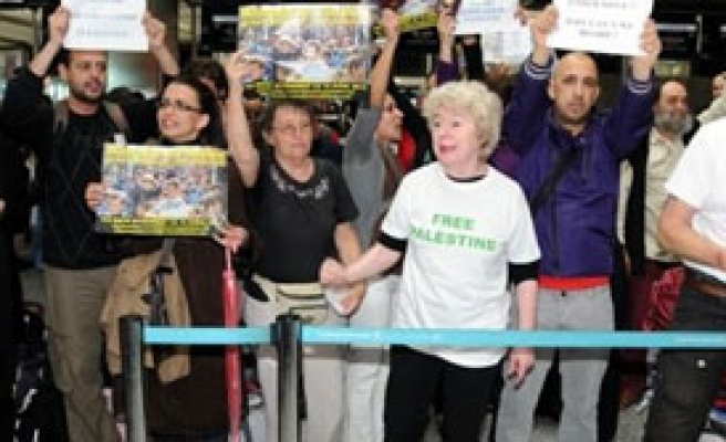 Aktivistlerden İsrail'e Protesto