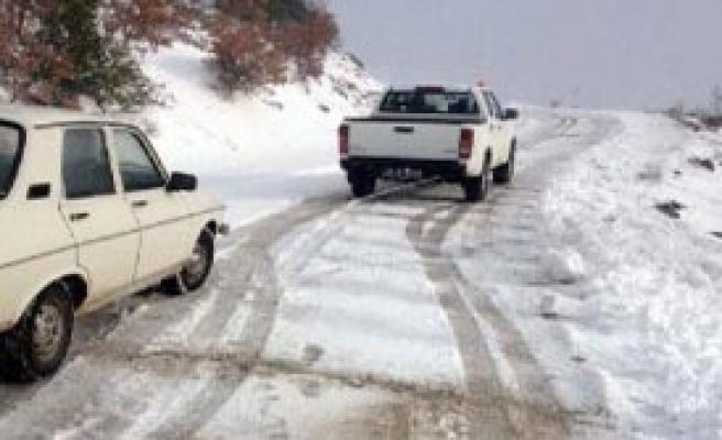 Manisa'da Yoğun Kar Mesaisi