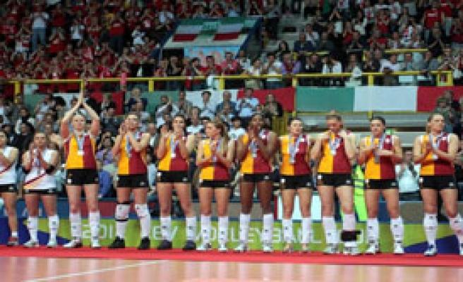 Galatasaray Genç Bayan Voleybol Takımı'na Saldırı