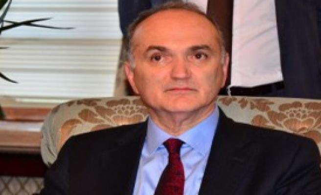 Bakan Özlü, Yarın İzmir'de