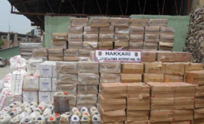 Hakkari'de Kaçak Sigara ve Silah Operasyonu