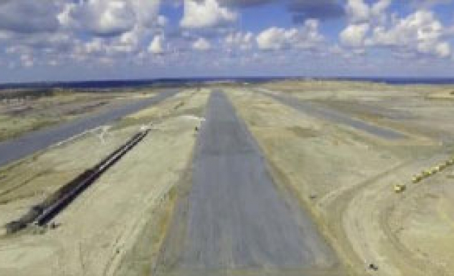 3. Havalimanında Dev Pist