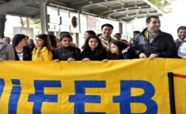 Fenerbahçe Kafilesi Antalya'ya Geldi