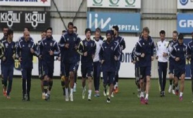 Fenerbahçe'de Futbolculara Derbi Öncesi Destek