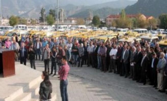 Fethiye'de Taksicileren Yönetmelik Tepkisi
