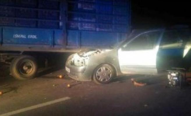 İki Ayrı Kazada 1 Ölü, 8 Yaralı