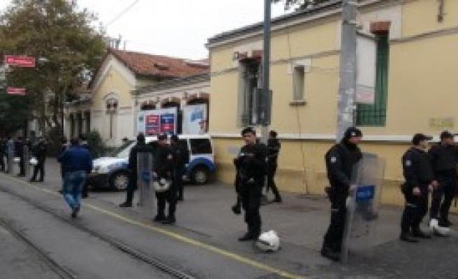 İstanbul'da Paris Anması Düzenlendi