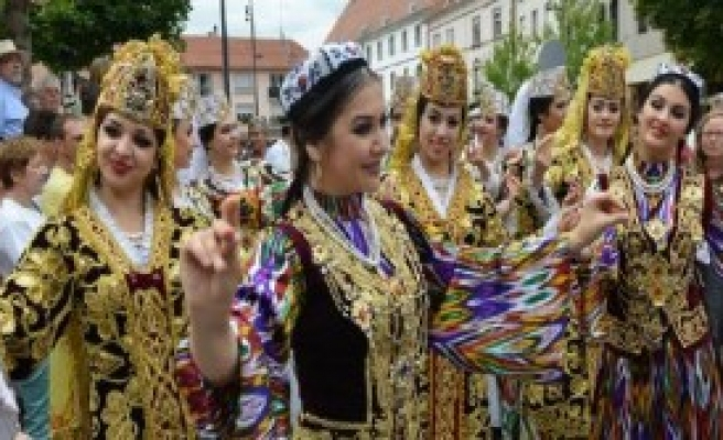Fransa'da Kültürleri Buluşturan Festival...