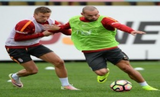 Galatasaray'da Derbi Hazırlıkları Devam Ediyor
