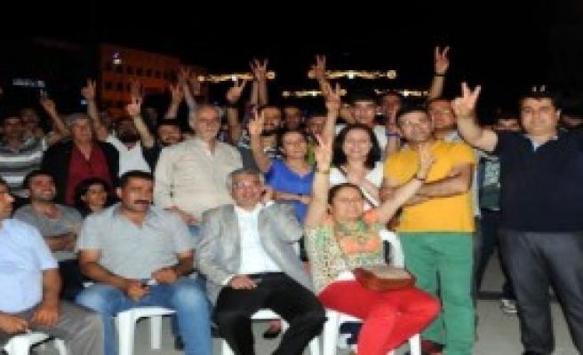 Gaziantep'te HDP'liler Kutlama Yaptı