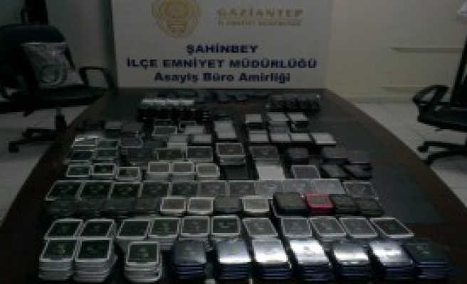 Kaçak 496 Cep Telefonu Ele Geçirildi