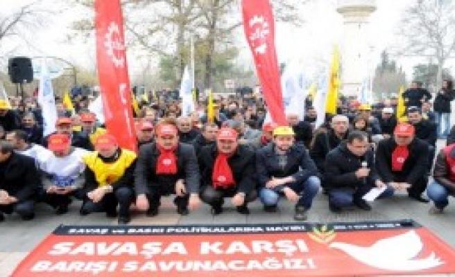 Gaziantep'te Sendikalardan İş Bırakma Eylemi