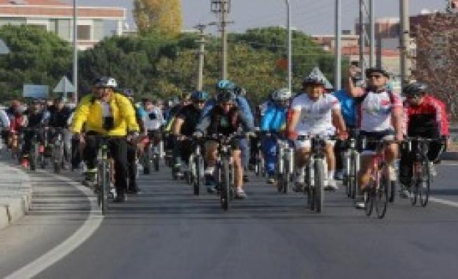 Gaziemirliler Doğa İçin Pedal Bastı