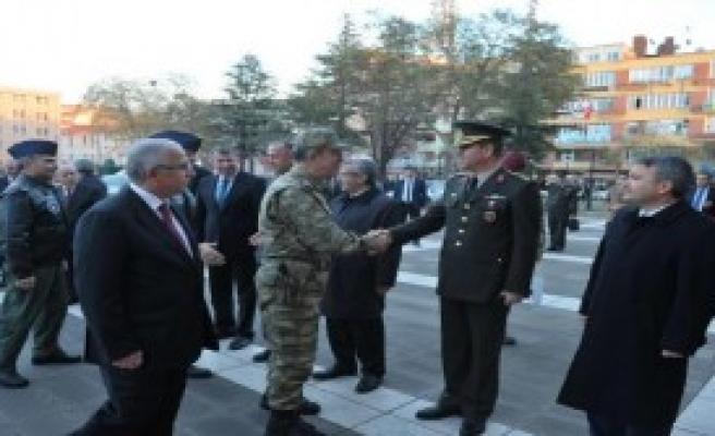Orgeneral Akar Eskişehir'de