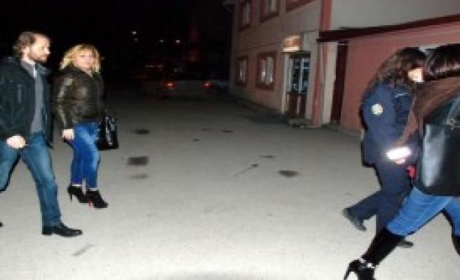 Gürcistanlı 2 Kadına Fuhuş Gözaltısı