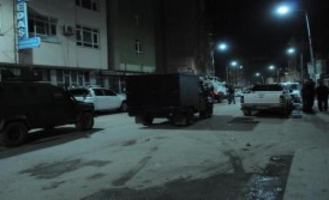 Hakkari'de Ses Bombası Atıldı