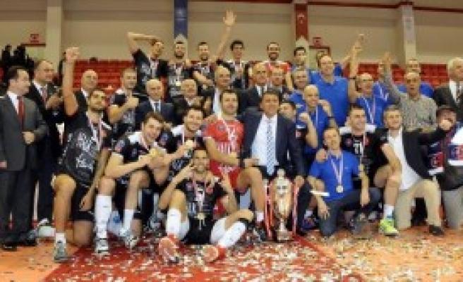 Halkbank-Fenerbahçe: 3-1