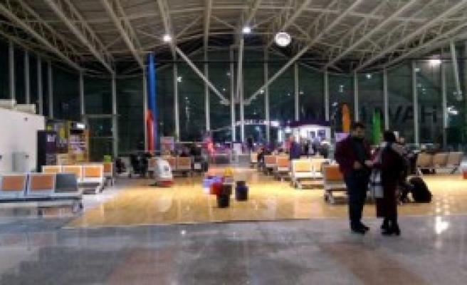 Hatay Havalimanı'nda İlginç Görüntü