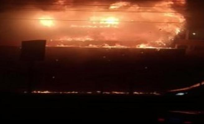 HDP İlçe Binasını Ateşe Verdiler