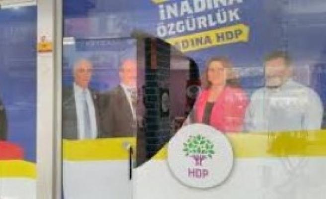 HDP, Seçim Bürosuna Saldırı