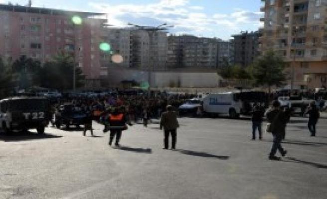 Hdp'li Pir: Silvan'daki Sokağa Çıkma Yasağı Bir An Önce Sona Erdirilmeli